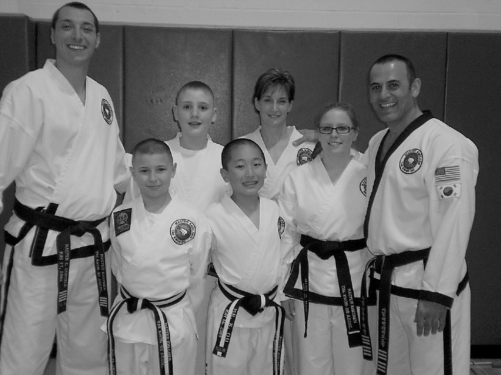 Tae Kwon-Do students attain black belt rankings | Amherst Bee